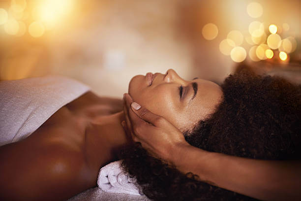 clear skin facial treatment at luxury Lotus Spa in tampa, florida fl with esther the estheticina acne scar removal for ethnic skinclear smooth and even skin facial treatment service for acne, acne scars uneven skin brown spots and ingrown hair