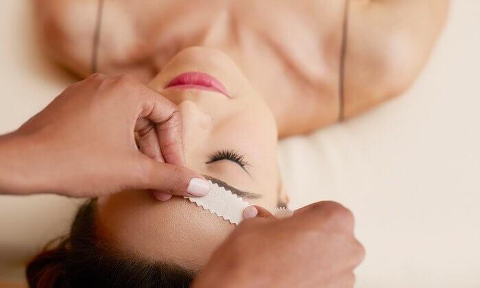 Eyebrow Wax & Design